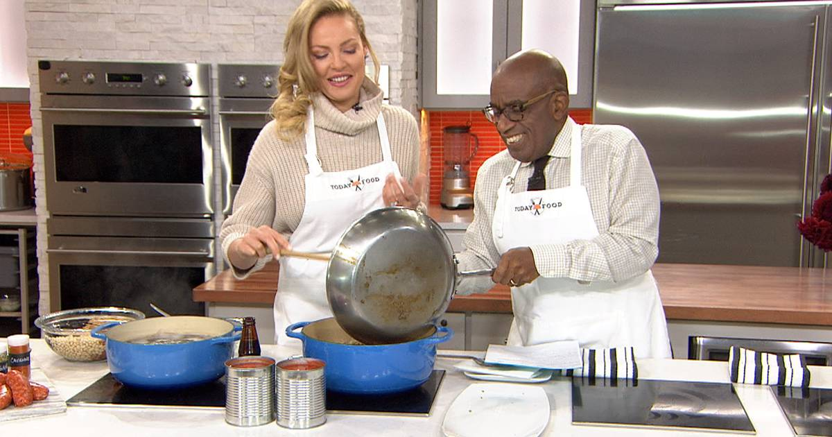 Katherine Heigl cooks up a four-bean chili that'll serve a crowd