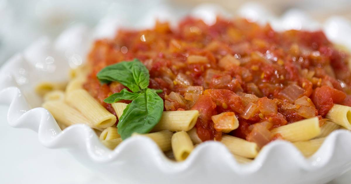 9 easy and delicious tomato sauce recipes you'll want to use on everything