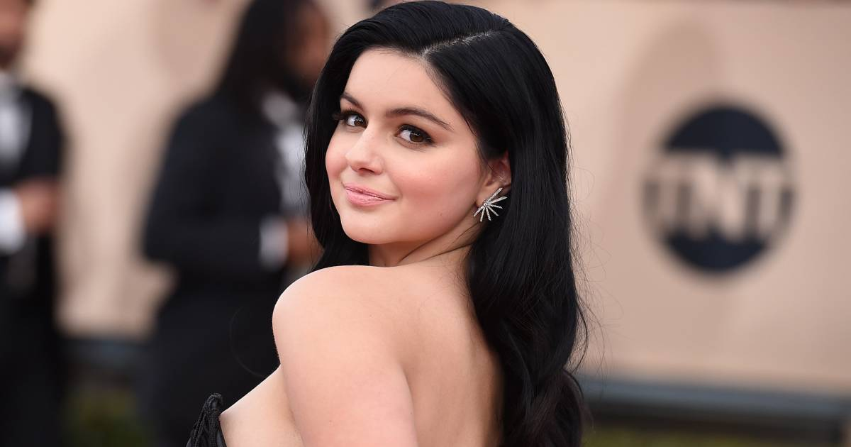 Ariel Winter Reveals Breast Reduction Scars On Red Carpet-2513
