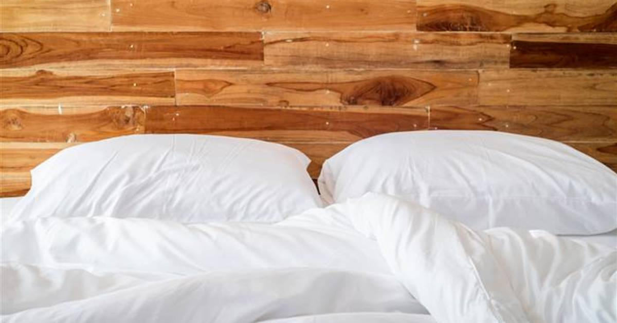 How Often Change Bed Sheets How To Keep White Sheets White One In