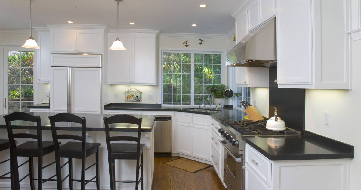 white kitchen cabinets show dirt how to clean and disinfect 6 spots in your kitchen 28922