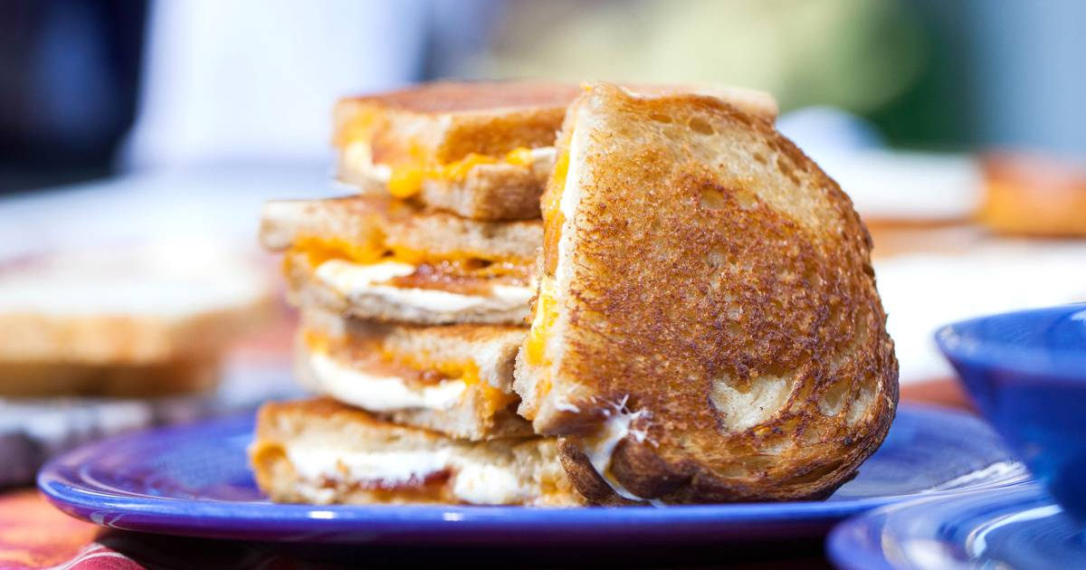 The ultimate comfort combo: Roasted tomato soup & three-cheese grilled cheese