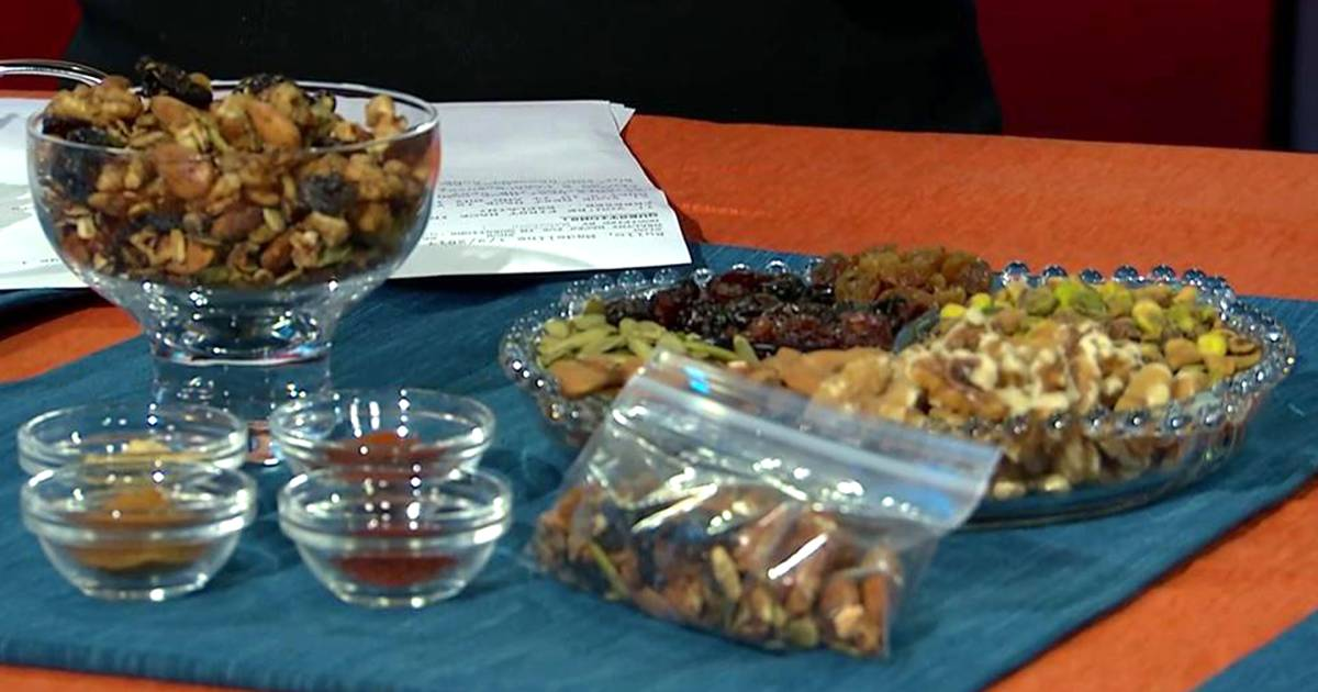 This super spice snack mix will boost your metabolism and give you energy