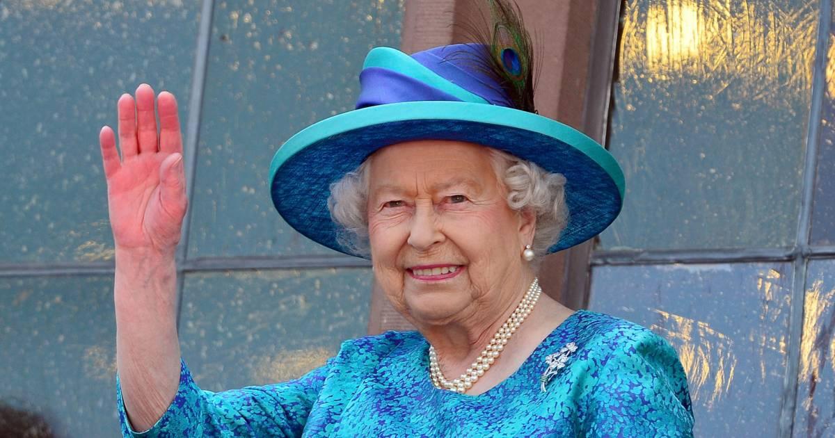 Queen Elizabeth S Nail Polish Pick Essie S Ballet Slippers