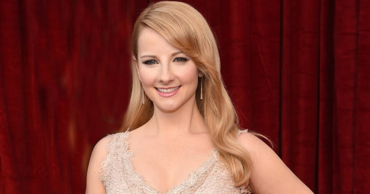 Big Bang Theory Star Melissa Rauch Announces Shes Pregnant After Suffering a Miscarriage recommend