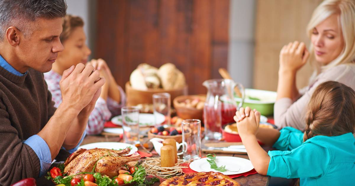 5 uncomfortable questions at the Thanksgiving dinner table