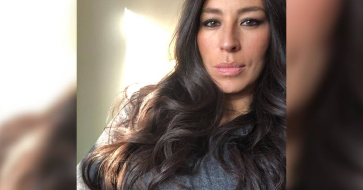 39 fixer upper 39 star joanna gaines shares baby bump photo on instagram. Black Bedroom Furniture Sets. Home Design Ideas