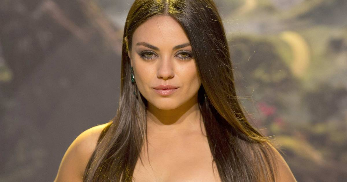 Mila Kunis Unveiled A Blunt Bob And Bangs At The Billboard Music Awards