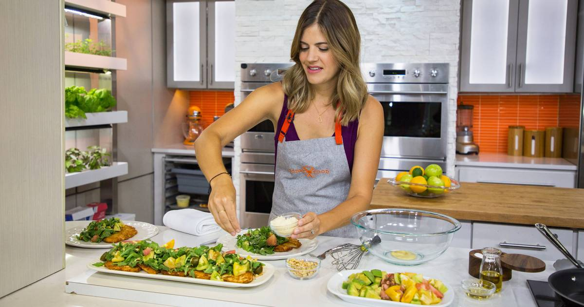 Siri's Thanksgiving menu: Butternut squash toasts, mini apple tarts and more