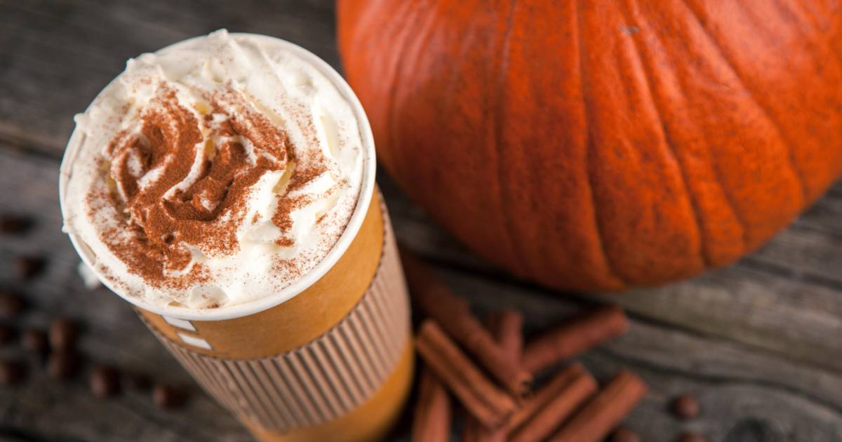 Save calories (and cash) with this easy pumpkin spice latte recipe!