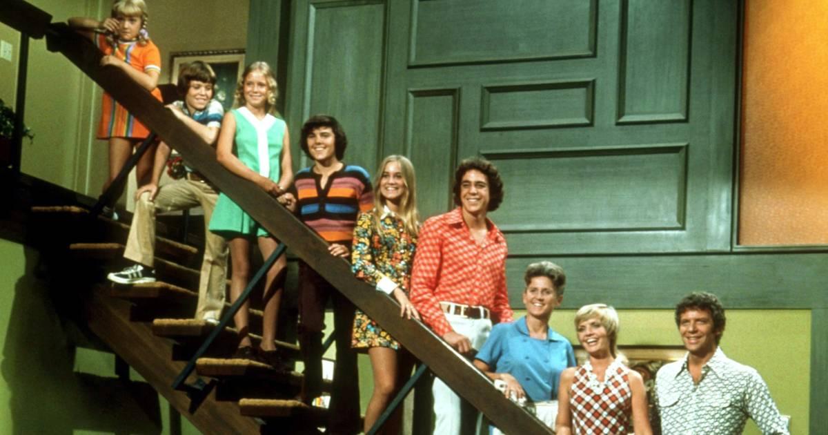 Brady Bunch Stars Reunite At Tv Home For New Hgtv Show