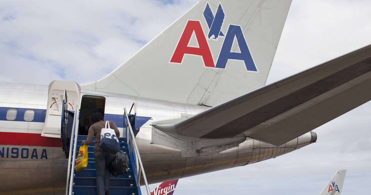 American Airlines Will Allow Passengers With Nut Allergies