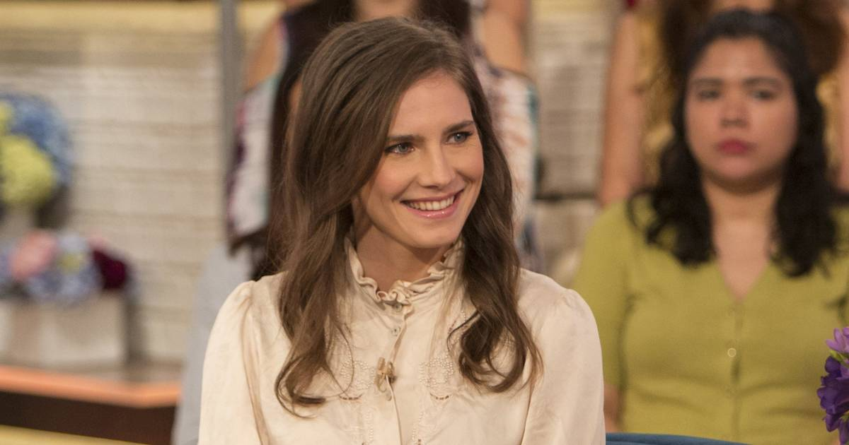 Amanda Knox gets engaged to boyfriend after elaborate proposal — see the video