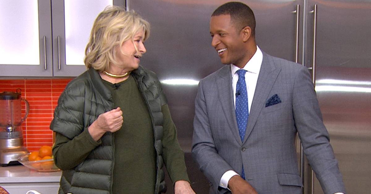 Martha Stewart's 1 easy hack for keeping the kitchen clean on Thanksgiving