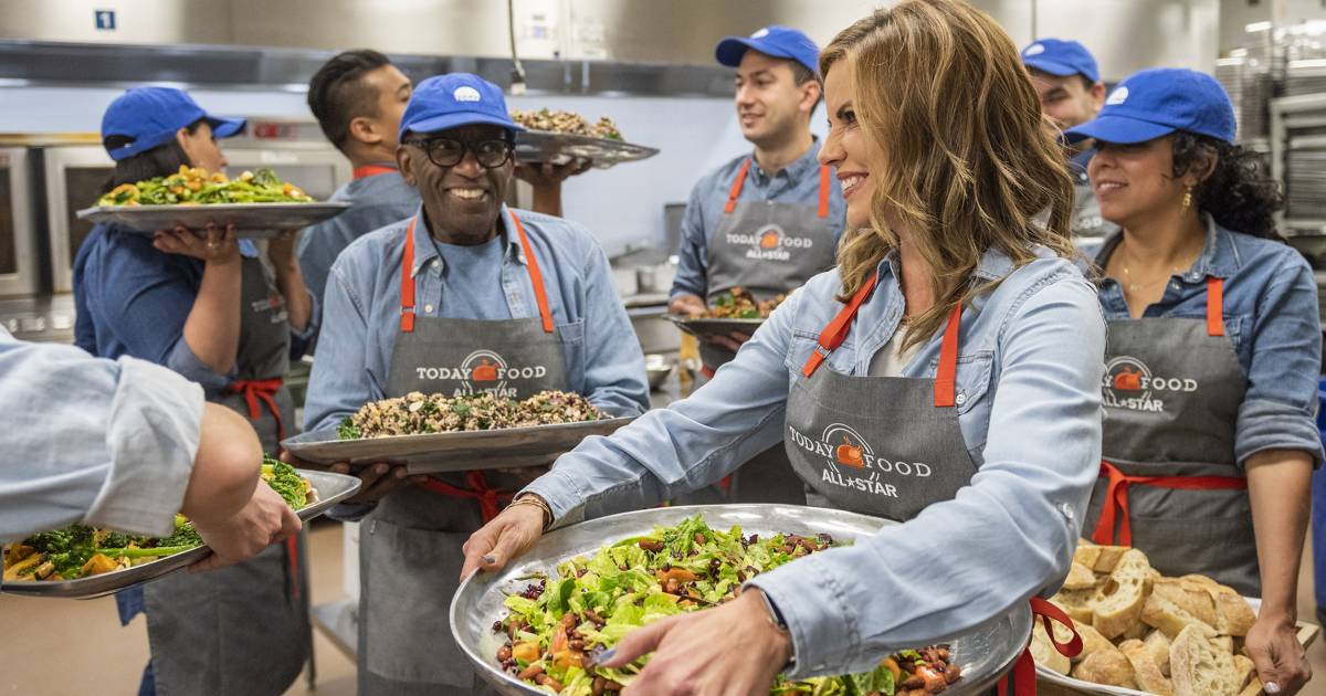 Al Roker, Natalie Morales, 8 chefs cook Thanksgiving meal for California wildfire first responders