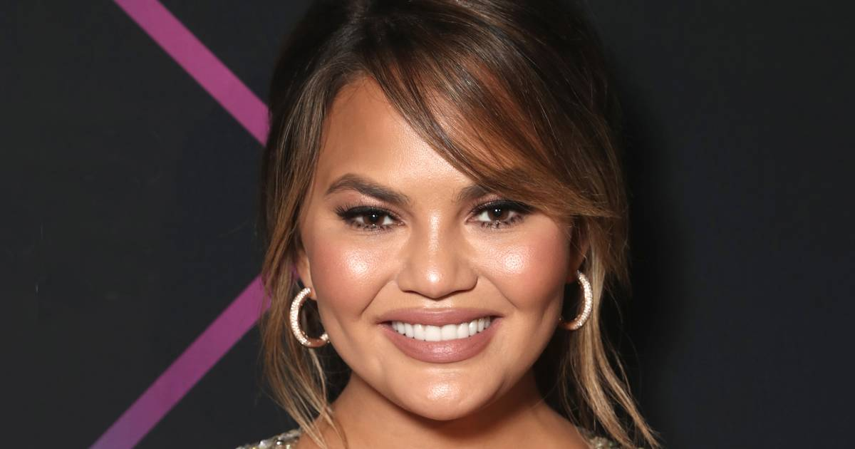 'Using my feet next time': Chrissy Teigen defends cooking with her bare hands