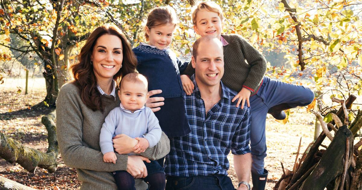 Royal family releases their Christmas card photos