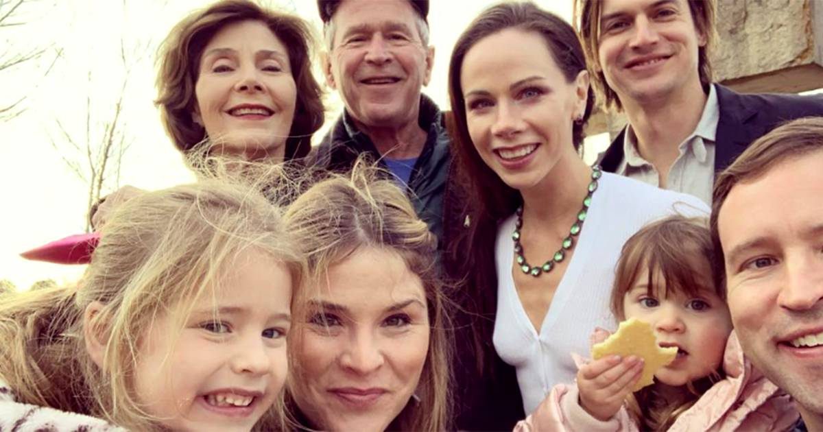 See Jenna Bush Hager's adorable photo of the Bush family Christmas