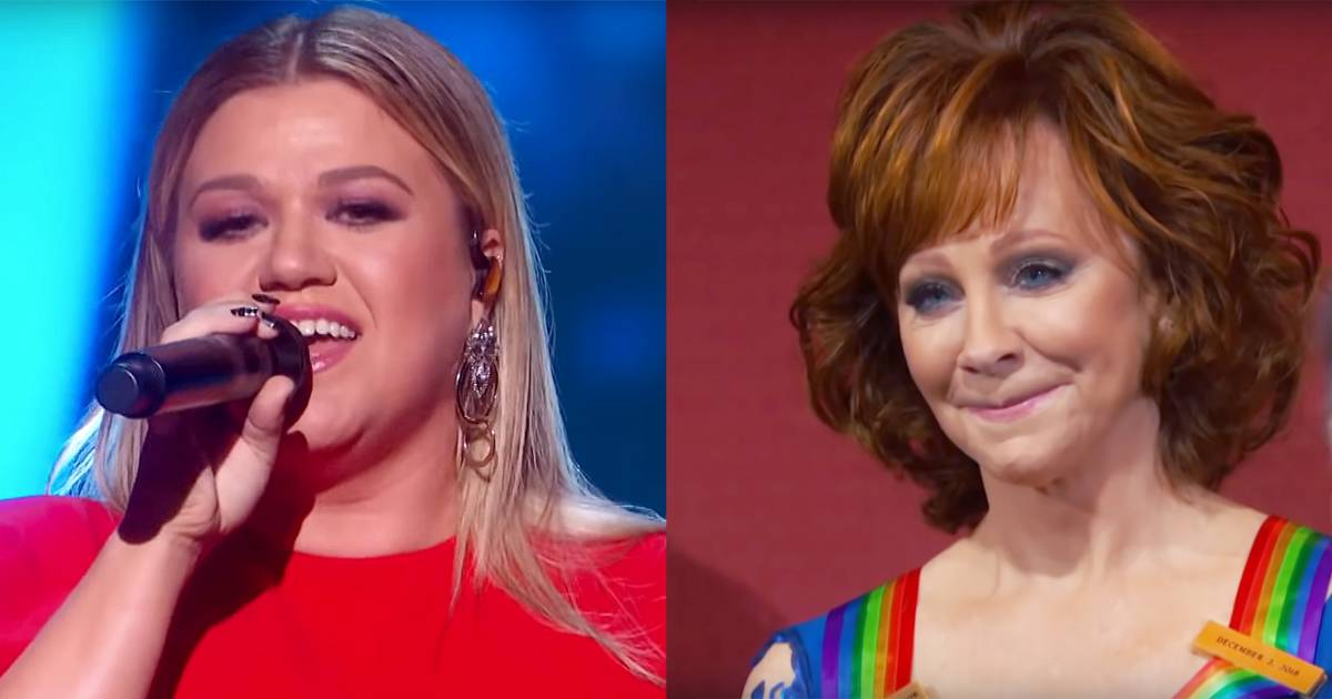 Flipboard Kelly Clarkson Gets Teary Eyed Honoring Hero Reba
