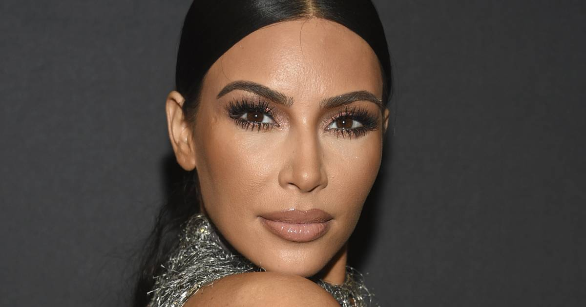 Kim Kardashian West lets daughter North West wear red lipstick, causing reaction