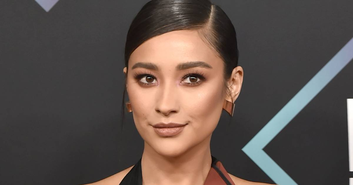 'Pretty Little Liars' star Shay Mitchell reveals miscarriage