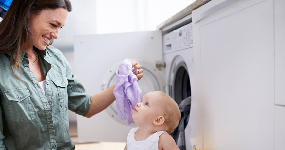 How to wash clothes without detergent or soap