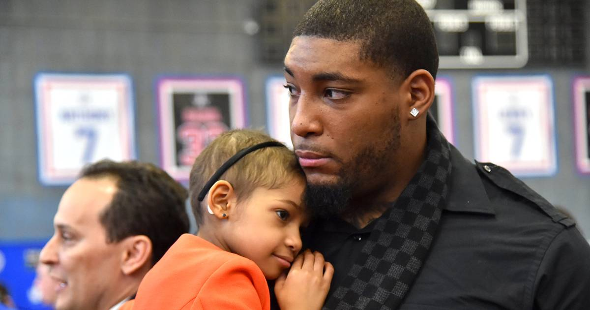 5 things NFL player Devon Still wished he'd known before becoming a cancer dad