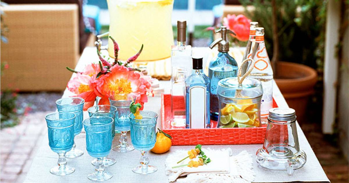 Take it outside: How to set up a chic outdoor bar