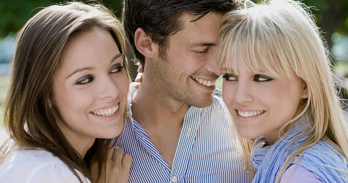 He s Not Over Her 4 Reasons You Shouldn t Date A Guy On The Rebound