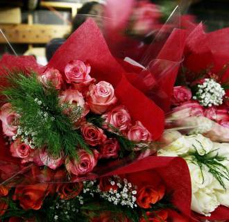 Image: Florists Prepare For St Valentine's Day Holiday