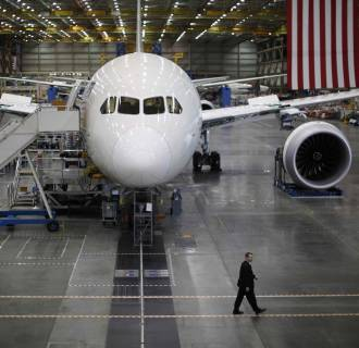 Boeing Reports Wing Cracks On Production 787s