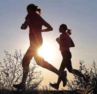 Running in the morning could worsen spring allergies.