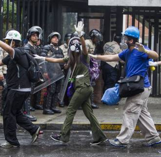 Image: OPPOSITION DEMONSTRATORS PROTEST IN CARACAS