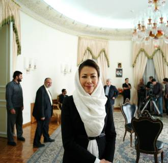Image: Ann Curry poses for a photo in Iran