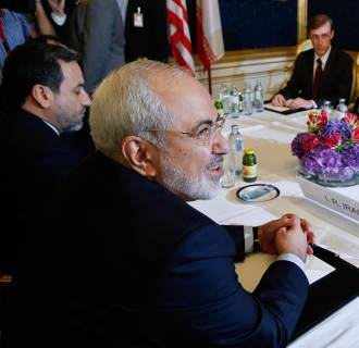 Image: Foreign ministers of the six powers negotiate with Tehran on its nuclear program