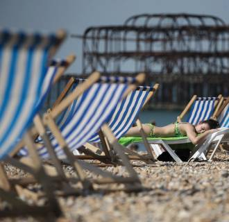 Image: Met Office Predict Warm Weather Set To Continue