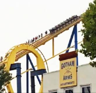 Image: The Nitro roller coaster ride at a Six Flags amusement park in New Jersey got stuck on its way up to the 230-feet-high peak, forcing passengers to exit the ride and walk down alongside the tracks