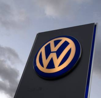Volkswagen is expanding its recall of Routan minivans because of a faulty ignition switch.