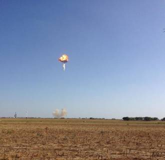 Image: A SpaceX prototype rocket automatically detonated after an