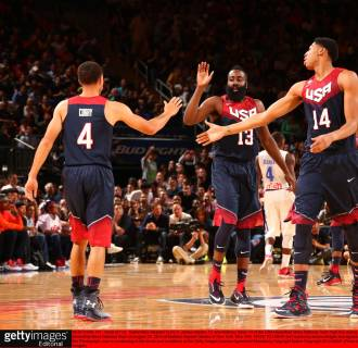 Image: Stephen Curry, James Harden and Anthony Davis of the USA national team