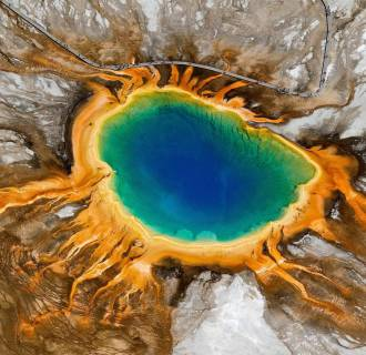 Image: Yellowstone National Park's Grand Prismatic Spring