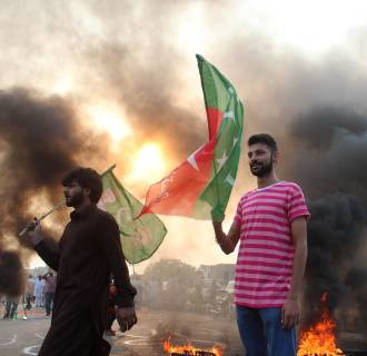 Image: Clashes between police and supporters of PTI party in Lahore