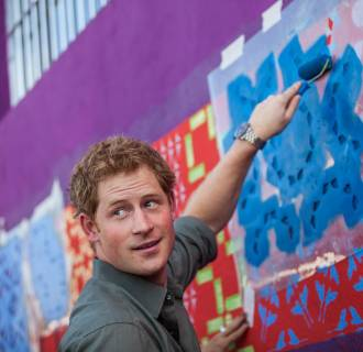 Image: PRINCE HARRY VISIT REHOUSING COMMUNITY IN BRAZIL