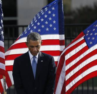 Image: Obama attends ceremonies to remember those who lost their lives at the Pentagon during 9/11 attacks in Washington