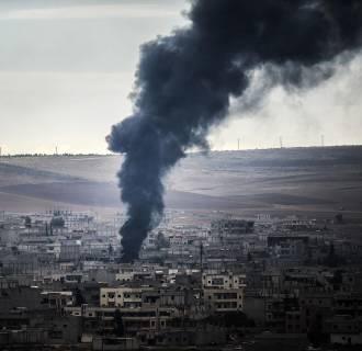 Image: Smoke rises from the Syrian town of Kobani