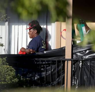 Image: Residents Quarantined In Dallas Apartment Where Ebola Patient Had Stayed