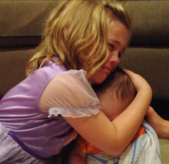 Image: A video of a sister not wanting her brother to grow up went viral.
