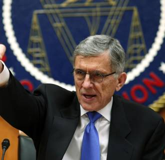 Image: Federal Communications Commission (FCC) Chairman Tom Wheeler gestures at the FCC Net Neutrality hearing