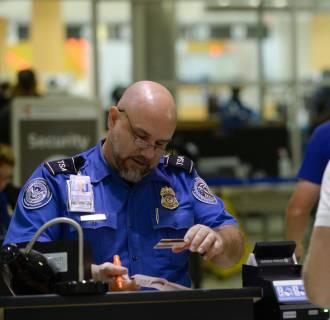 Image: TSA screening at Hartsfield-Jackson Atlanta International Airport