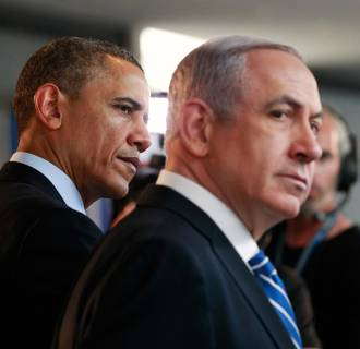 Image: U.S. President Obama and Israeli PM Netanyahu tour a technology expo at the Israel Museum in Jerusalem